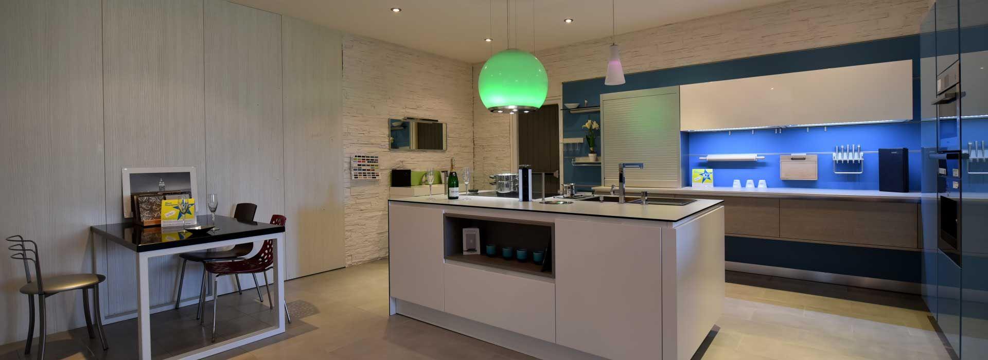 Cuisine Provencale Blanche Et Bleue fabriquant de cuisine, bain et ameublement en drome provencale
